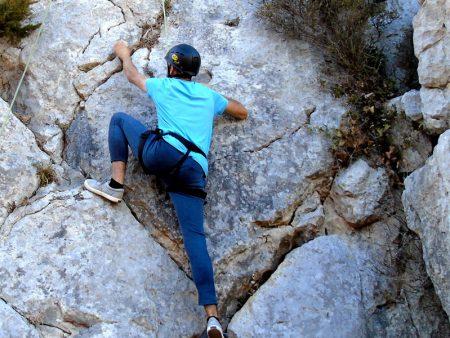 Escalada em parede naturalno Vimeiro Clube Aventura
